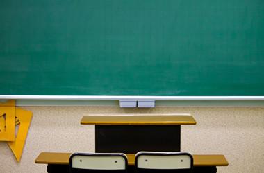 教師が教育のプロとしての責任を取らない。