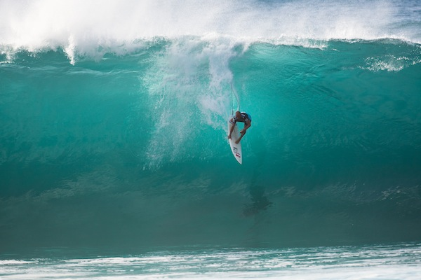 Kelly Slater Wins Billabong Pipe Masters Over Vans Triple Crown Winner John John Florence