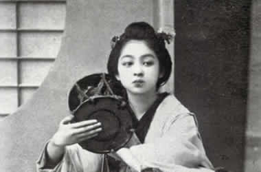 日本人女子の奥ゆかしさ